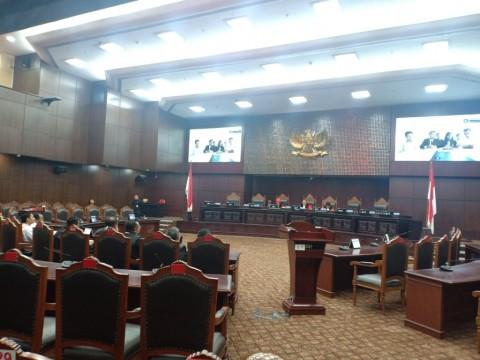 MK Kaji Tiga <i>Judicial Review</i> UU KPK