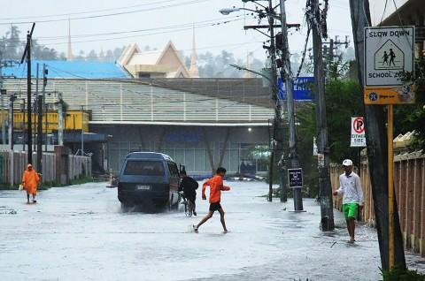 Topan Kammuri Terjang Filipina, Bandara Manila Ditutup