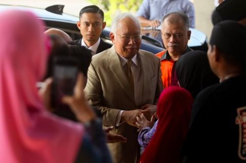 Mantan PM Malaysia Diseret dalam Persidangan Korupsi