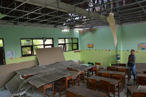Plafon Kelas di SD Runtuh, 36 Siswa Tertimpa