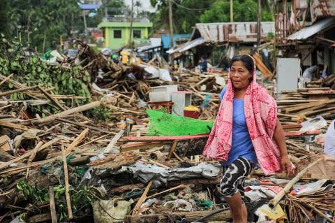 Topan Kammuri Akibatkan 10 Orang Tewas dan Puluhan Rumah Hancur
