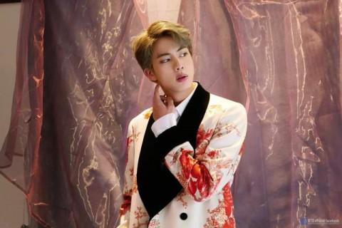 Jin BTS jadi Pria Tertampan versi King Choice