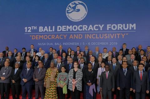 Menlu Retno Buka Acara Bali Democracy Forum ke-12
