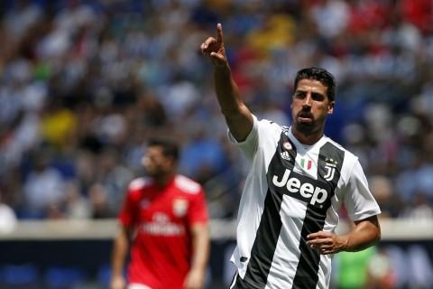 Juventus Kehilangan Khedira Tiga Bulan