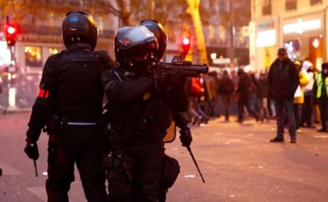 Polisi Prancis Bubarkan Paksa Aksi Mogok Nasional