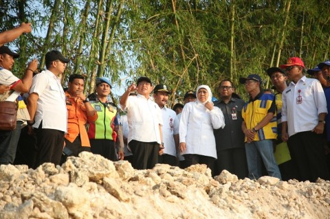 Khofifah Pastikan Kualitas Air Sungai Bengawan Solo Menurun