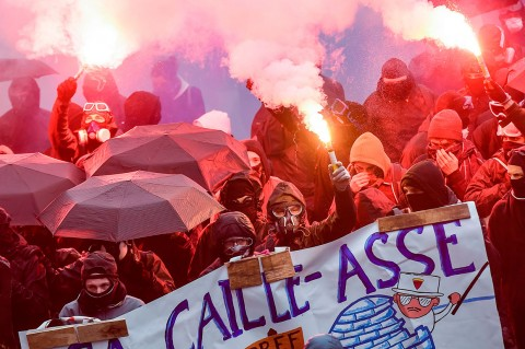 Ratusan Ribu Massa Protes Perubahan Pensiun di Prancis