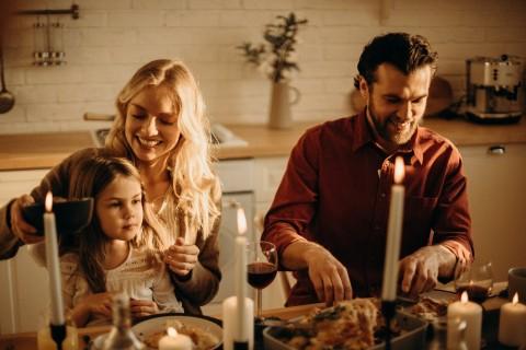 Keluarga Pengaruhi Pola Makan Anak