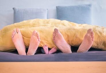 Tips Menjaga Kehangatan Bercinta meski Telah Memiliki Anak