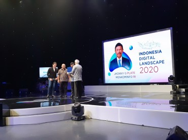 Medcom.id Berikan Penghargaan untuk Joko Anwar