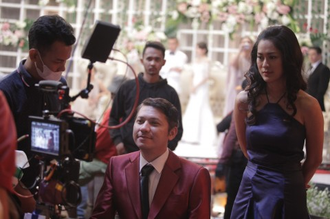 Film Temen Kondangan Pertemukan Gading Marten dan Prisia Nasution