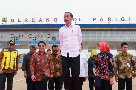 Jokowi Diminta Melibas Pungli Birokrasi