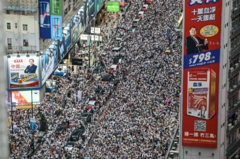 Ribuan Demonstran Kembali Turun ke Jalanan Hong Kong