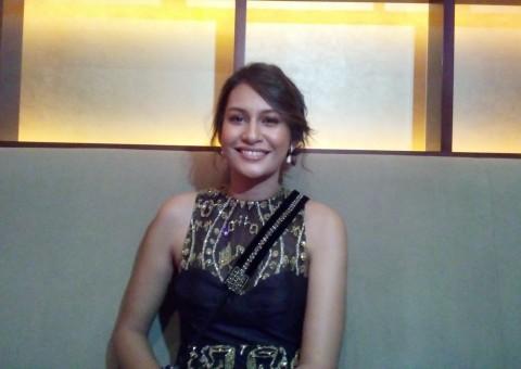 Raihanun Sabet Piala Pemeran Wanita Utama Terbaik FFI 2019
