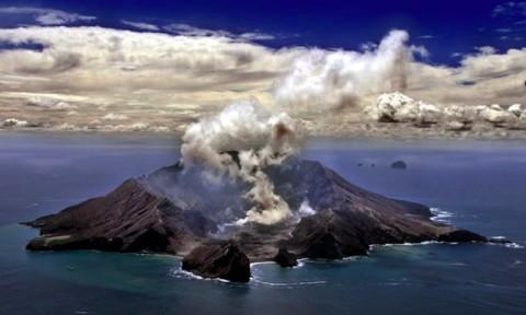 Gunung Api Meletus di Selandia Baru, Wisatawan Terluka