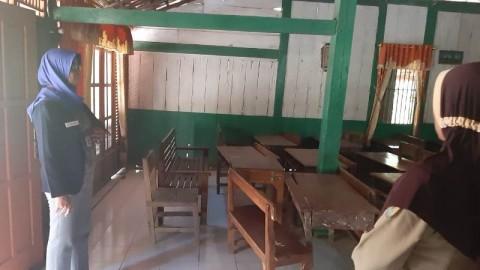 Siswa SD di Grobogan Menumpang Belajar di Rumah Warga