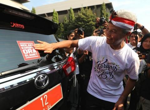 PNS Jateng Ketar-ketir Akibat Stiker <i>Nek Aku Korupsi Ora Slamet</i>