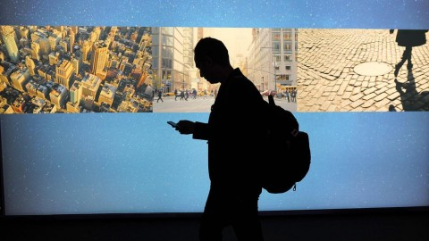 Mencicipi Manisnya Kue Ekonomi Digital