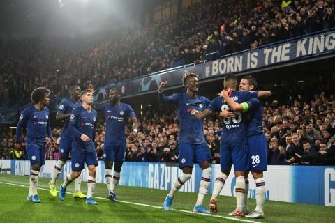 Chelsea dan Valencia Lolos ke 16 Besar