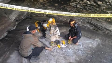 Masyarakat Kembali Membangun Padmasari yang Rusak di Bromo