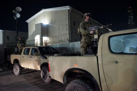 Bom Guncang Fasilitas Medis Dekat Pangkalan Udara AS