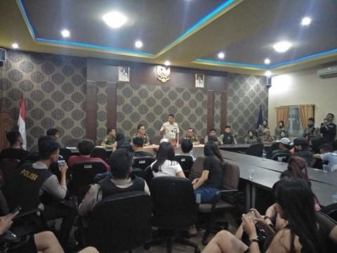Satpol PP Sumsel Tangkap Lima WN Thailand