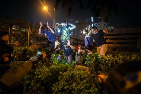 Ahli Internasional Mundur dari Penyelidikan Kekerasan Polisi Hong Kong