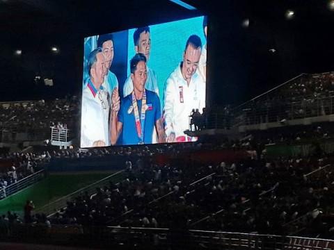 Peselancar Filipina Roger Casugay Atlet Paling <i>Fair Play</i>
