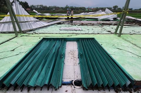 Angin Ribut Terjang Gedung Serbaguna di Boyolali, 1 Orang Tewas