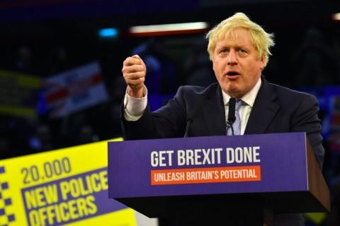 Warga Inggris Memilih di Pemilu Brexit