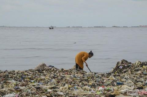 KLHK Dorong Pemerintah Kurangi Sampah Plastik