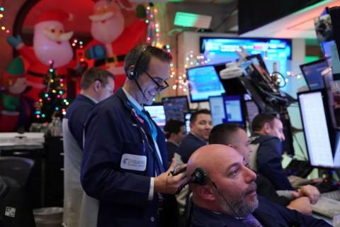 Tiga Indeks Saham Wall Street Melonjak