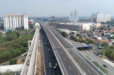 Jalan Tol Layang Jakarta-Cikampek Gratis Selama Libur Akhir Tahun