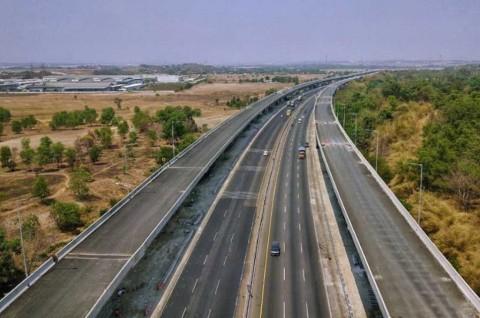Jangan Terlena Jalan Mulus, Jaga Kecepatan di Tol Layang Japek