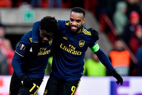 Imbangi Standard Liege, Arsenal ke 32 Besar Liga Europa