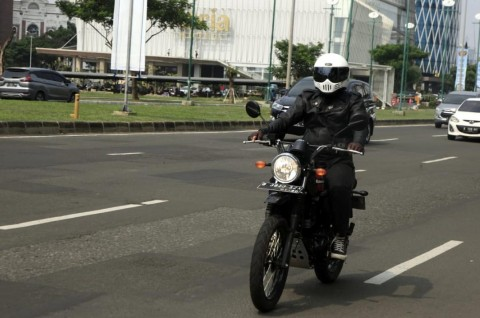 Test Ride Kawasaki W175 TR: Starter dan Gas