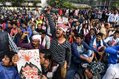 Protes Kewarganegaraan di India Memakan Korban