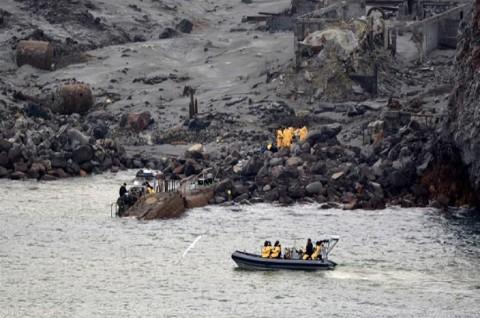 Pencarian Korban Erupsi Selandia Baru Berlanjut