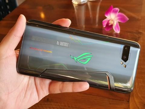 ASUS ROG Phone 2 vs Black Shark 2 Pro, Mana yang Lebih Baik?
