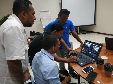 Humas Kemendikti Timor-Leste Belajar Produksi Berita di Media Group