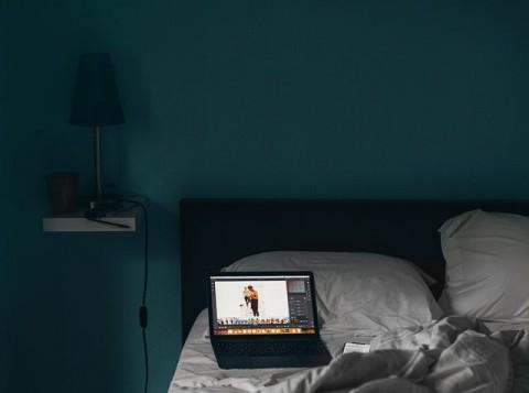 7 Ide Segarkan Kamar Tidur Bernuansa Biru