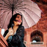 6 Cara Tetap Trendi Saat Musim Hujan