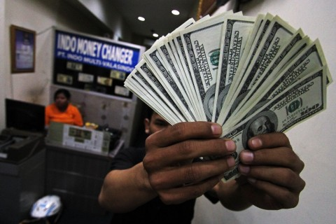 Dolar AS Naik Tipis