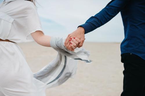 Sama seperti rindu berkumpul dengan teman dan tidur siang yang nyaman, kamu akan kembali menginginkan hubungan seks. (Foto: Ilustrasi. Dok. Unsplash.com)