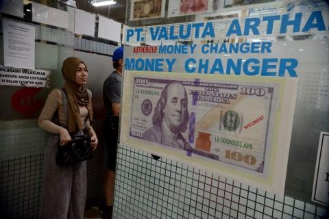 Dolar AS Cenderung Datar