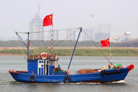 Kapal Tiongkok Cemari Perairan Korsel dengan Tumpahan Minyak