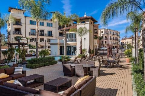 Penthouse Mewah Kris Jenner Dijual Rp36 Miliar