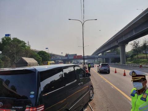 <i>Contraflow</i> Diberlakukan di Tol Arah Cikampek