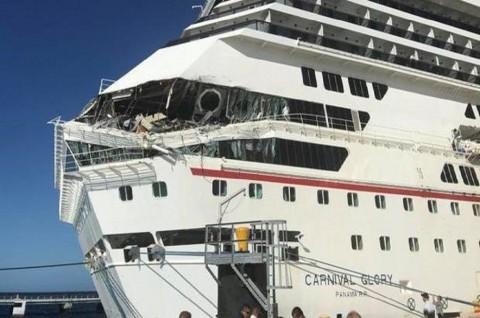 Dua Kapal Pesiar Bertabrakan di Pelabuhan Meksiko