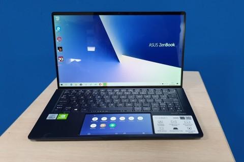 ASUS ZenBook 13 UX334F, Pesona Layar Sekunder